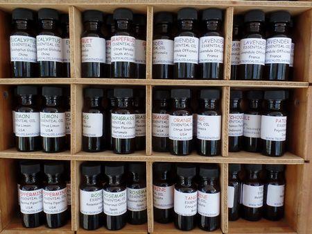 essential-oil-2828485_1280.jpg